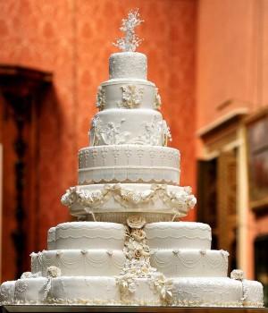 Prince-William-and-Kate-Middleton-wedding-cake-300x350.jpg